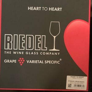 Riedel wine glass heart to heart. 2 glasses